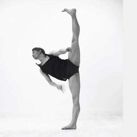 Kim Amundsen dancing