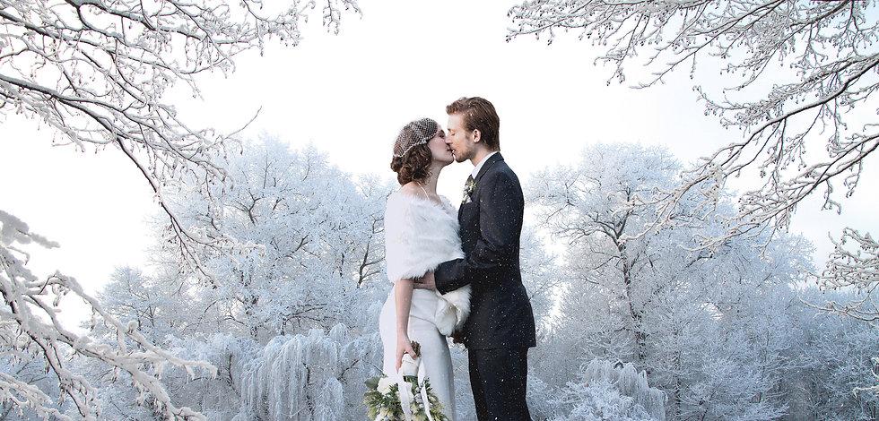 Beautiful%20wedding%20couple%20on%20their%20winter%20wedding_edited.jpg