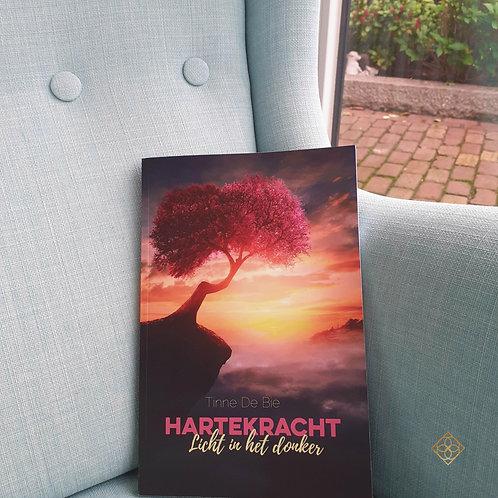 Boek 'Hartekracht, licht in het donker'