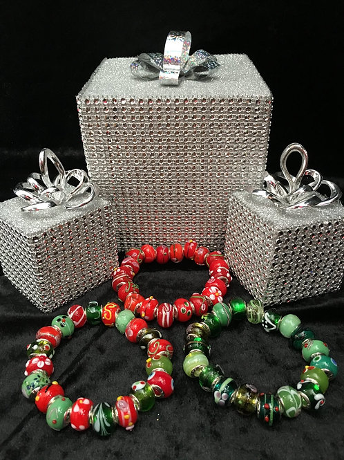 Red, Green, Red & Green Womans Murano Style Glass Beaded Bracelet