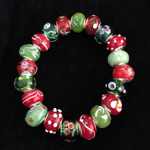 Red & Green Womans Murano Style Glass Beaded Bracelet