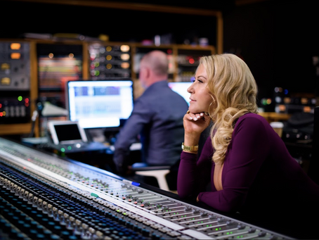 "Singer, Songwriter, & Mediterranean Beauty Lisa Panagos Releases the Soulful Album ""Beautiful""."