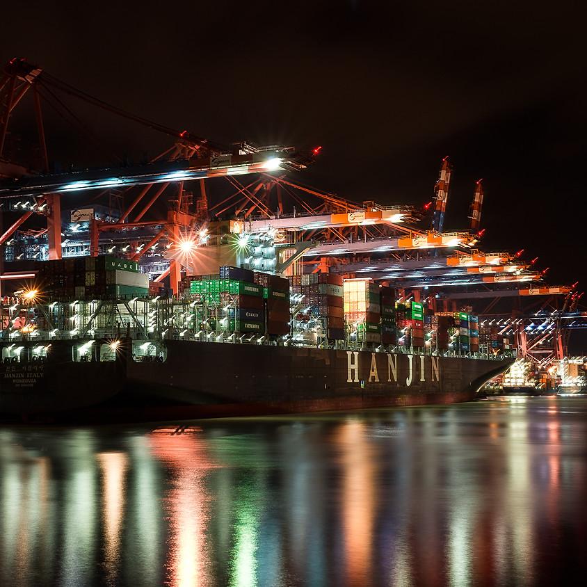 Leuchtspuren von Schiffen