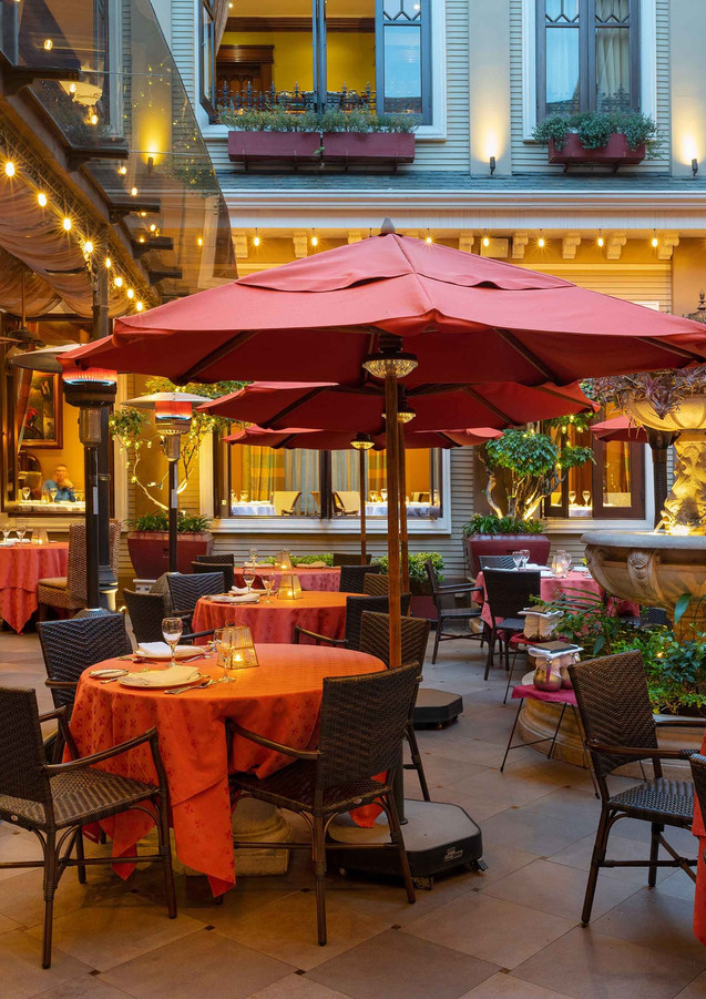 24.-Terraza-Restaurante web.jpg