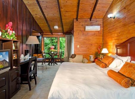 "A costarrican family welcomes you to ""Hotel Montaña de Fuego"" in La Fortuna"