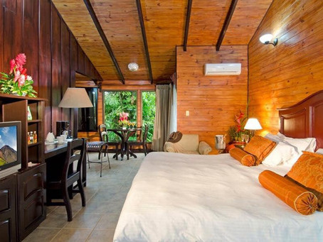 "A costarrican family welcomes you to ""Hotel Montaña de Fuego"" in La Fortuna"