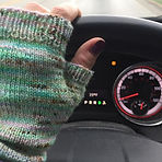 Fingerless mitts make 39 degree temps a