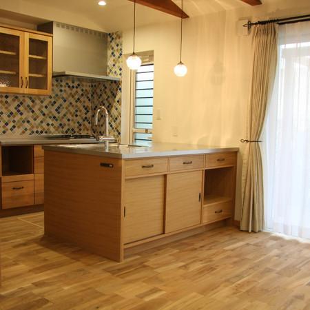 オーダーキッチン・家具・照明・カーテンなど施工