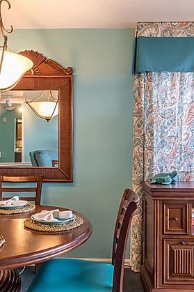 blue beachy dining room