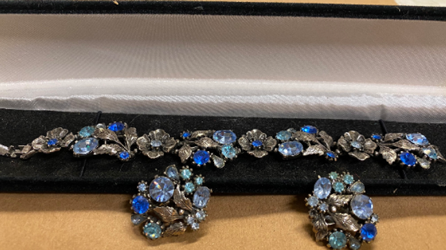 Beautiful 1950's Signed Lisner Blue Rhinestone Bracelet & Clip Earrings Set