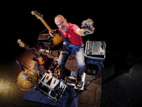 Dr. Albert Flipout's one CAN band - aka Mickey Pantelous