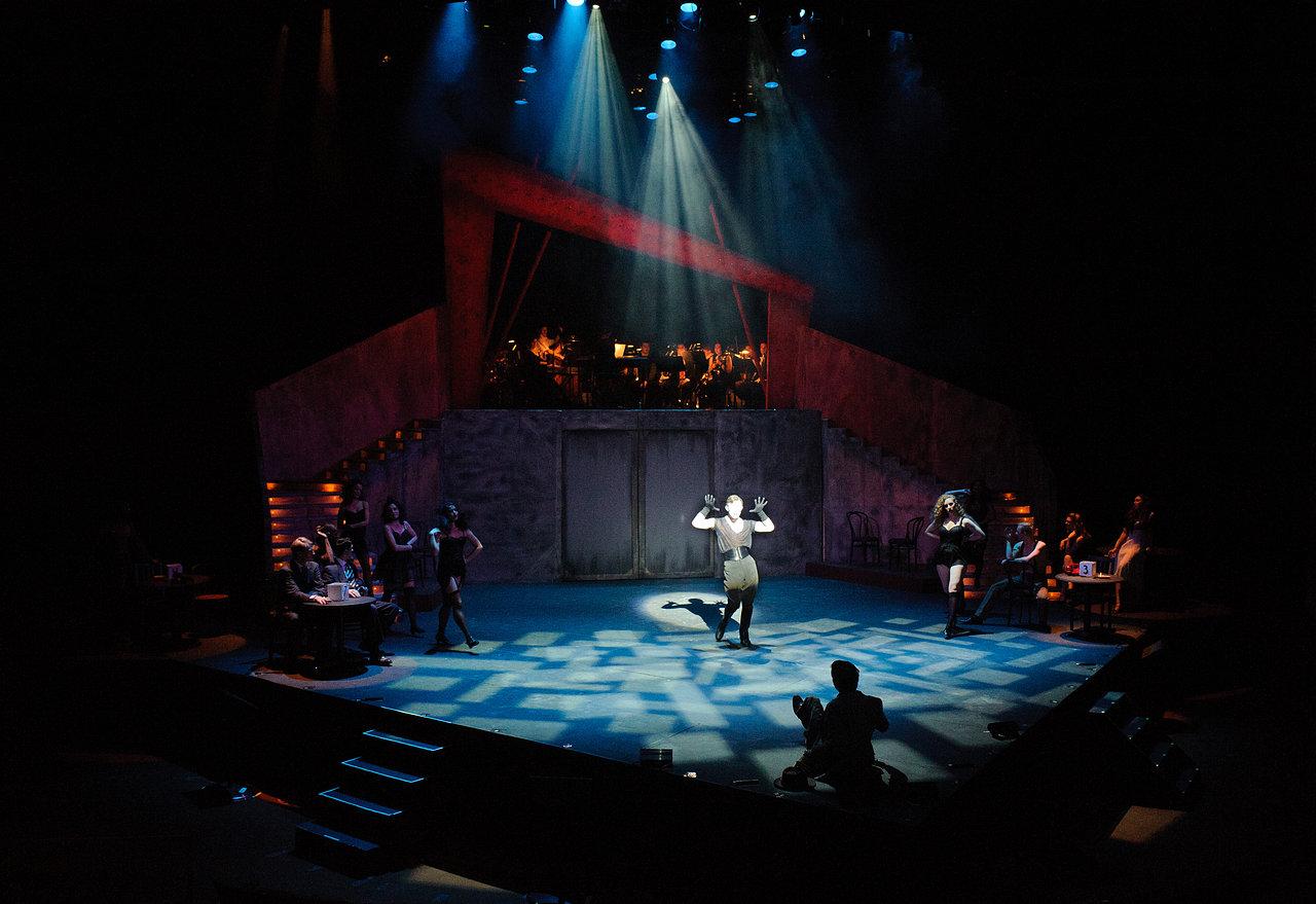 cdz.cabaret.2011-11-17.014