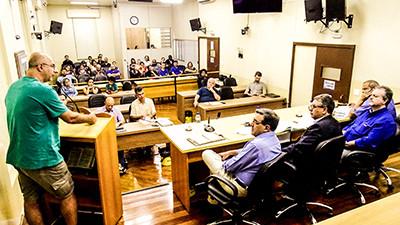 Nem aí: Prefeitura foge de audiência pública sobre plano de carreira dos servidores
