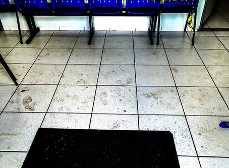 Sujeira e salas sem ventilação: realidade do posto de saúde do Roxo em plena pandemia