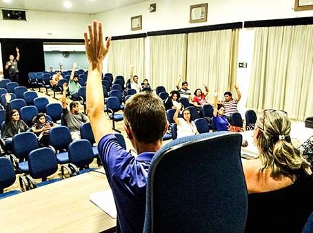 Servidores de Araraquara aprovam reivindicações e aguardam resposta do prefeito