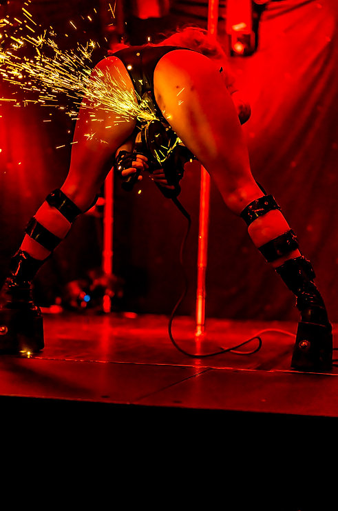 Sparkarella - Noir Exot:TT - 3FatesMedia