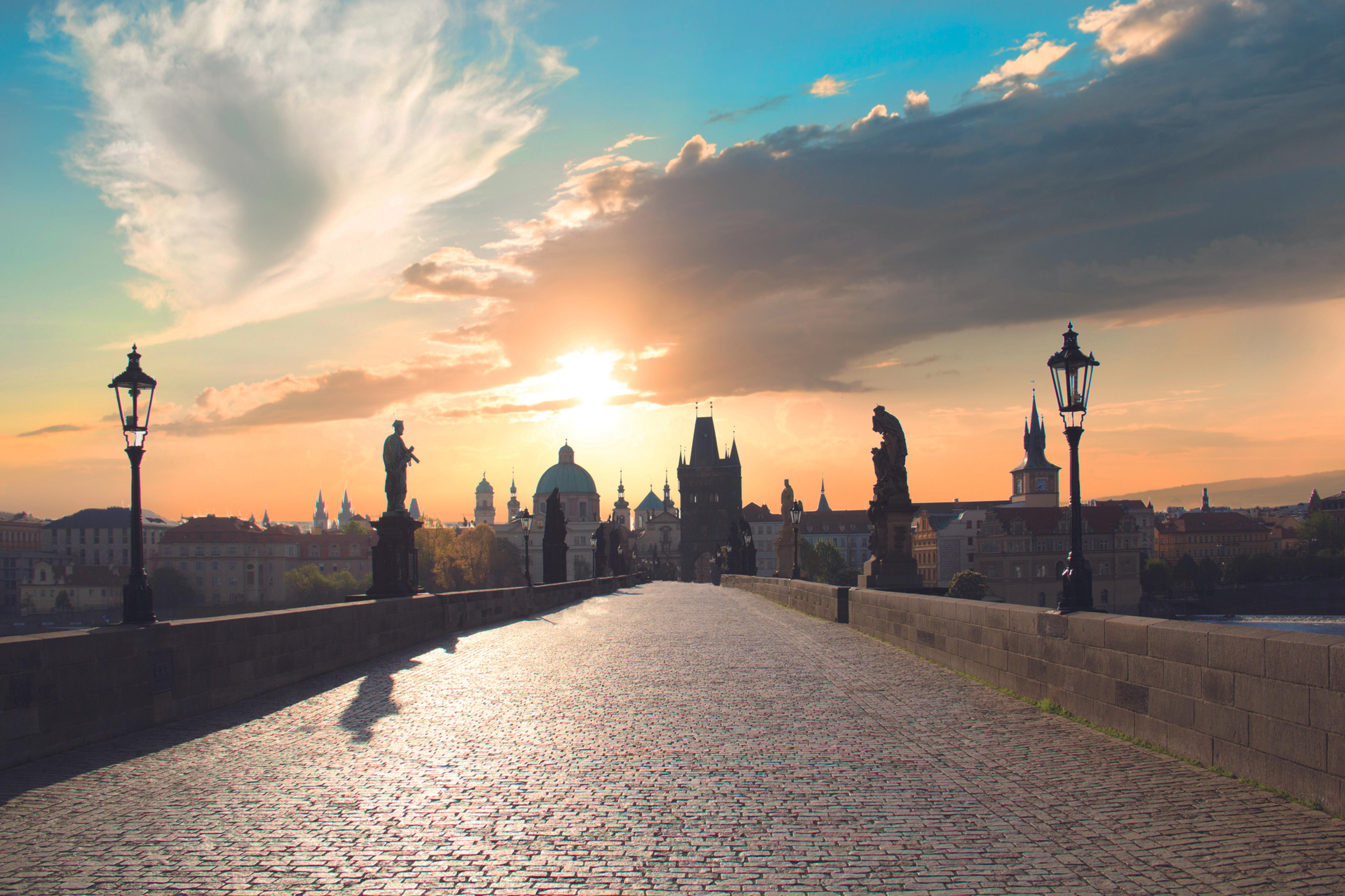THE GRAND TOUR OF PRAGUE