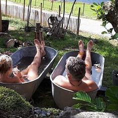 Fyll badekaret i utromet