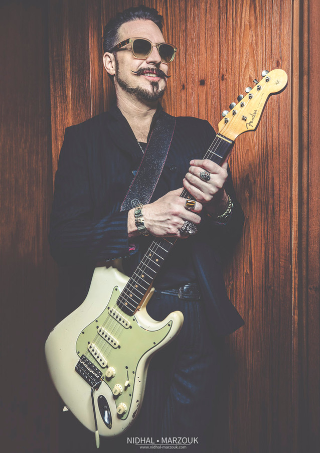 SCOTT HOLIDAY (RIVAL SONS)