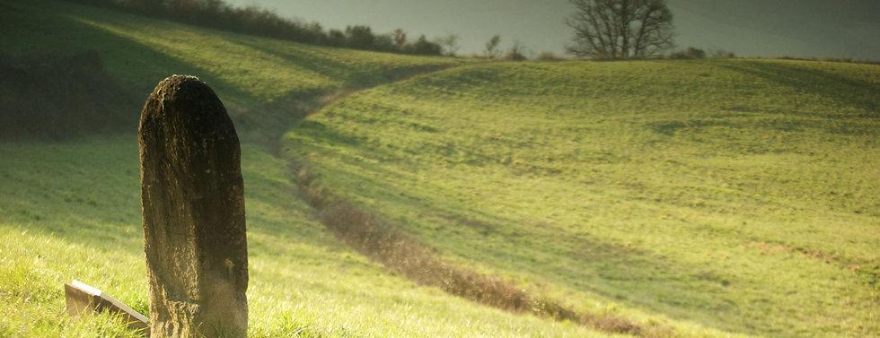 statue-menhir-crop.jpg