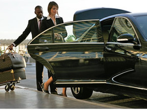 Airport Transportation – Limo – Chauffeur, Taxi or Uber?