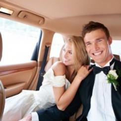 bride-and-groom-limousine-200x200.jpg