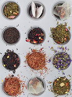 psychothérapie existentielle tours douze tasses avec des thés différents vues de haut