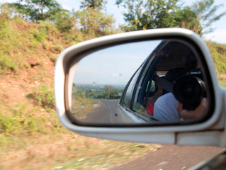 Seeds' second volunteer: Gabriel comes with us to Uganda as a photographer. Thank you Gabriel!