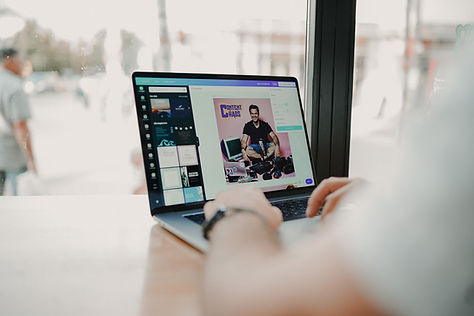 graphic-designer-creating-graphics-for-social-media-marketing