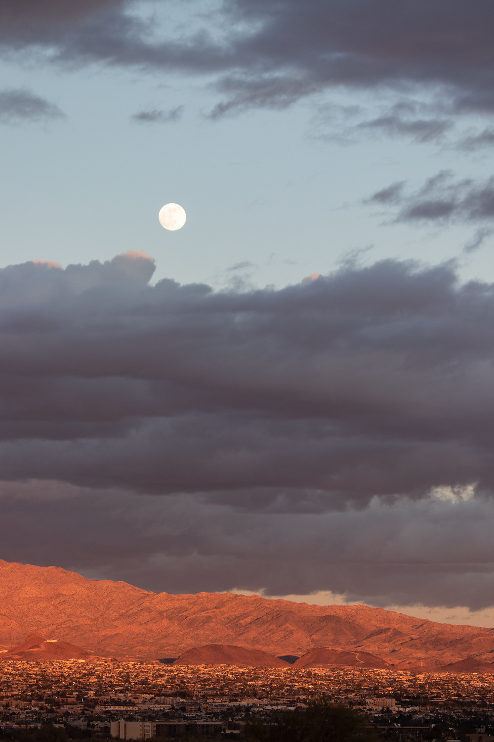 Moon rises over Lake Havasu