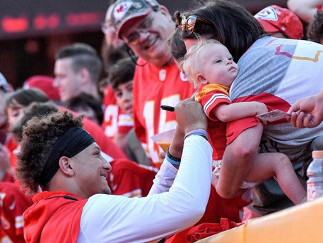 Patrick Mahomes had top-selling jersey in NFL this season and dominated weekly sales