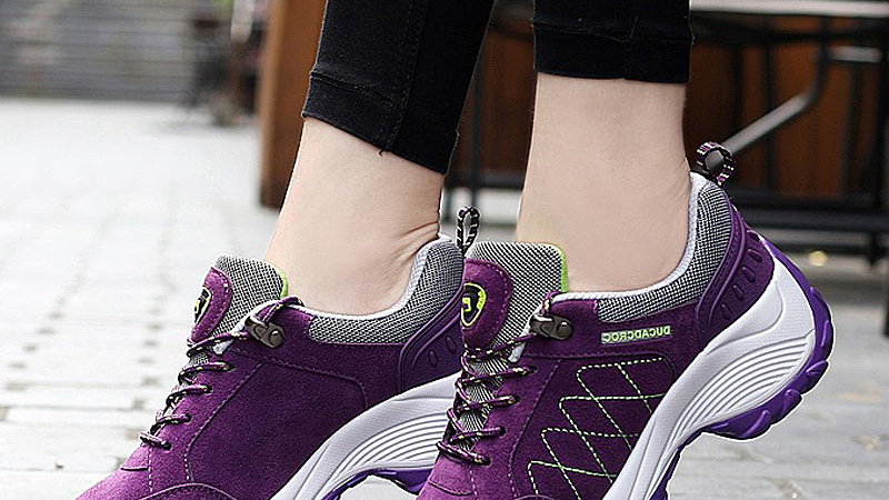 Women's Casual Lace-Up Non-Slip Sneakers