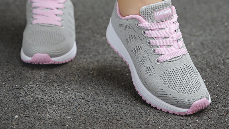 Women's Sport Lace-Up Breathable Mesh Casual Sneakers