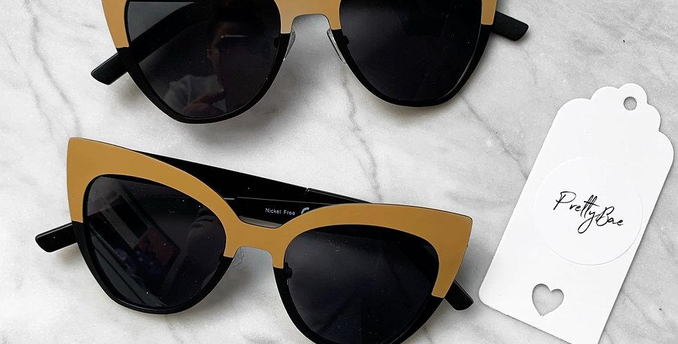 Capri Sunglasses monochrome