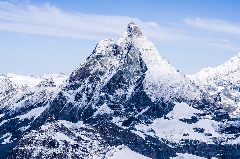matterhorn-peak-in-swiss-alps-X69UT5U.pn