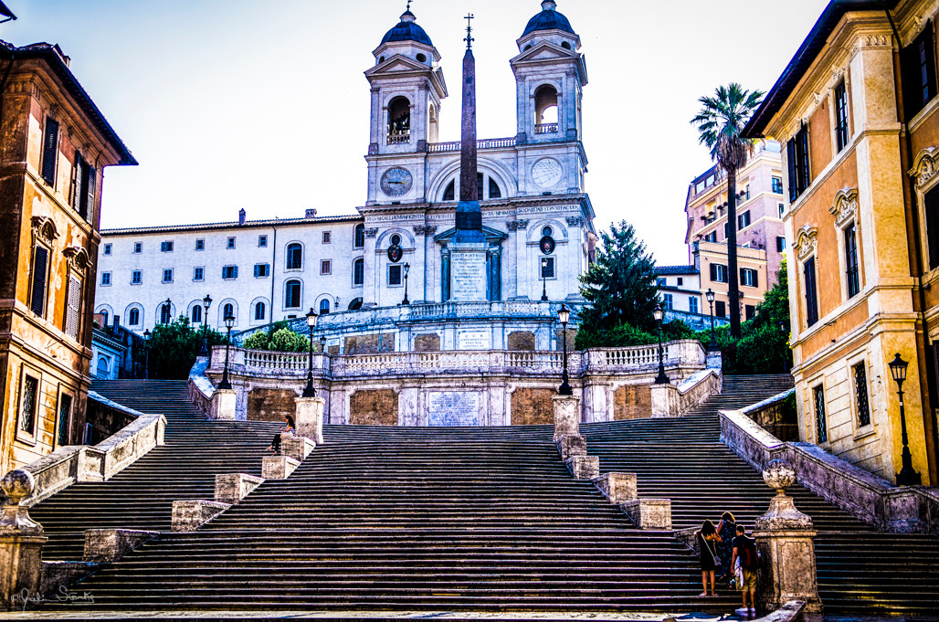 Spanish Stairs in Rome, Italy_Julian Sta