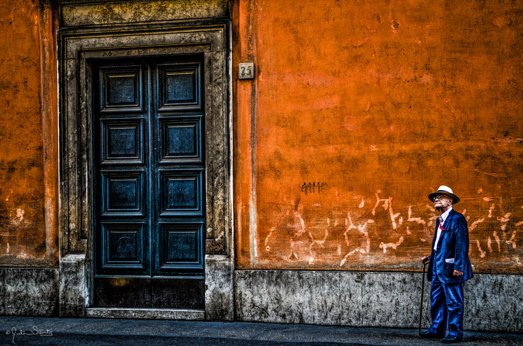 Little Man-Big Door_Rome, Italy_Julian S