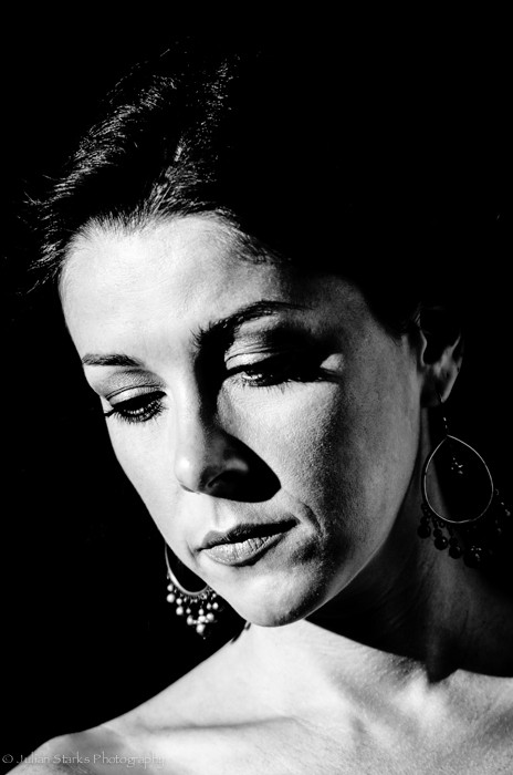 Kiara Tomaselli B&W photo_Julian Starks