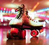 skateville-family-rollerskating01-104632