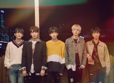 Песня «Одинок (혼자야)», выпущенная группой DAY6 в ноябре, заняла 1-е место в китайском чарте