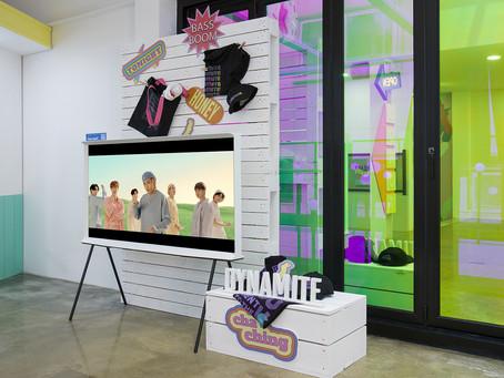 [Фотоновости] В Гаросу-гиле открылся совместный магазин Samsung TV и BTS