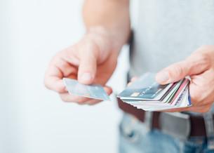 В Южной Корее более половины пользователей карточных кредитов «жонглируют» множественными долгами