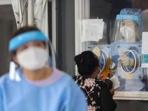 Правительство ЮК призывает иностранцев-нелегалов прививаться, не беспокоясь о возможном задержании