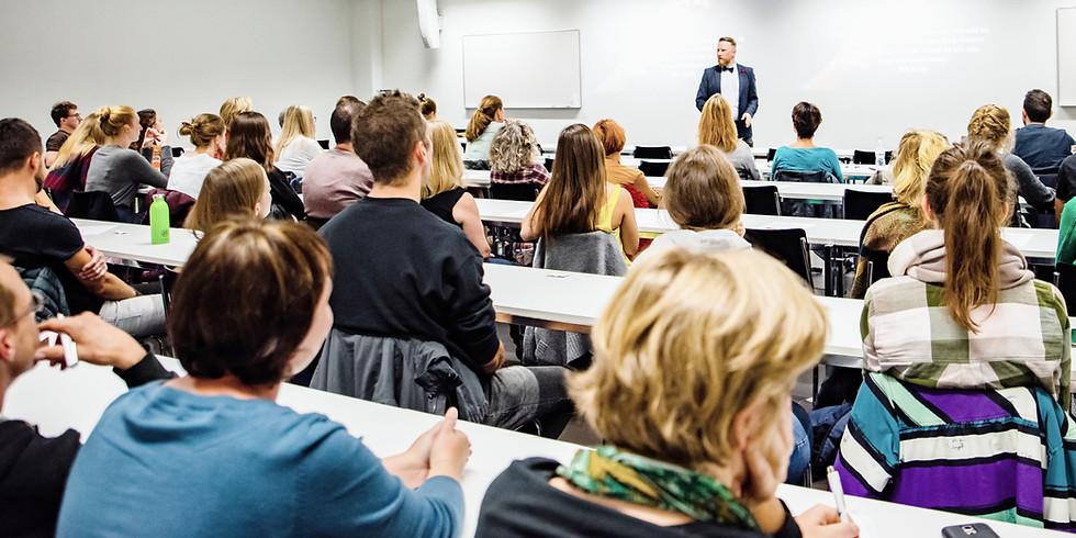 Vorlesung -  Universität Luzern / Hörsaal 5