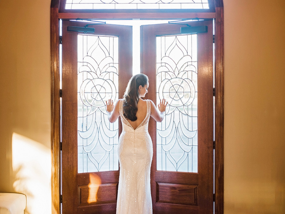 Bride inside Thousand Oaks wedding venue