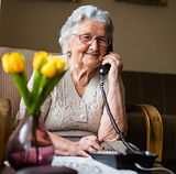 caller-woman-on-phone-senior-on-phone%20