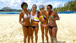 beachLadies_group