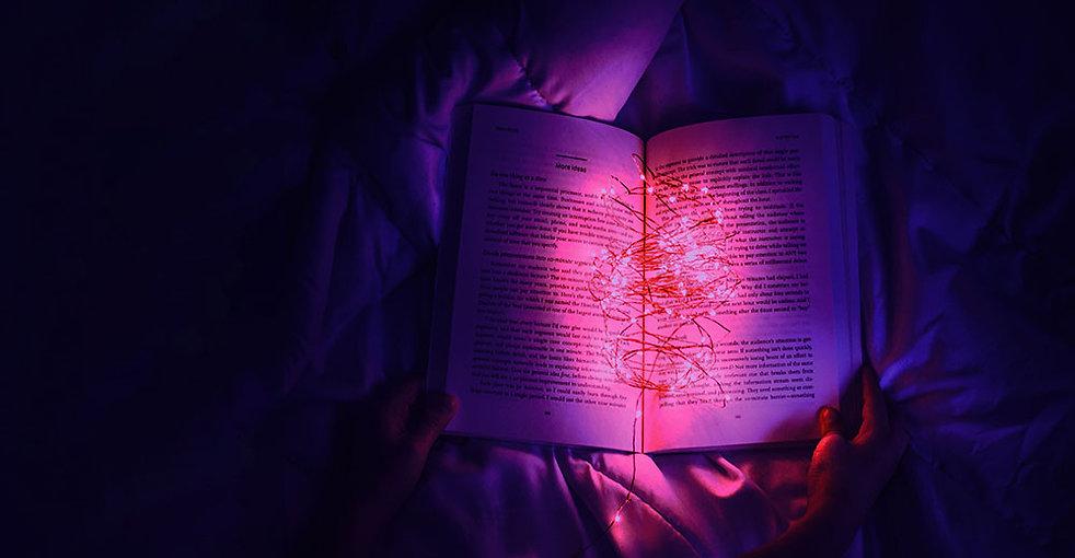 livro-aberto-com-luzes-02.jpg