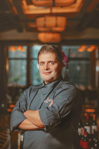 Raging Bull Head Chef Kai Lindner.jpg