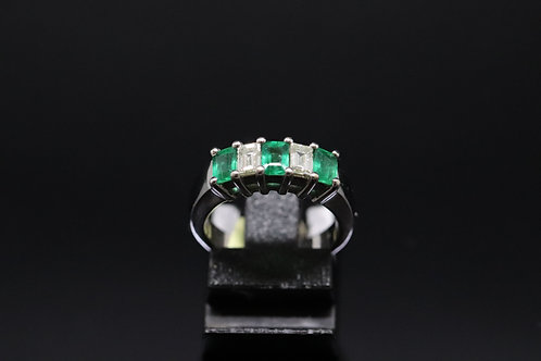 Emerald & Diamond Ring in 18ct White Gold